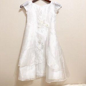 Melody   Beautiful Small Girl White Dress   3-4